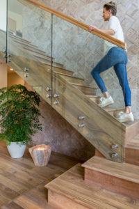 Cầu thang gỗ teak